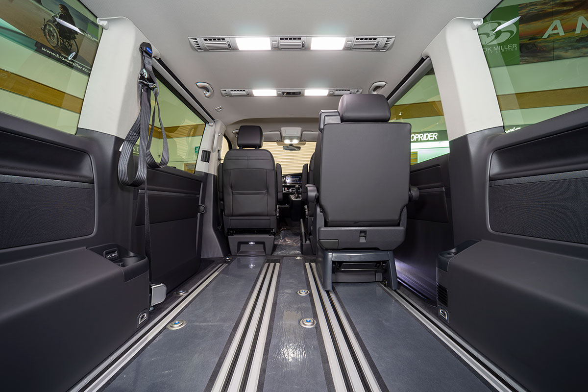 Volkswagen Caravelle Executive Rear Lift